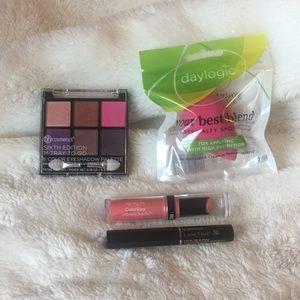 Beauty bundle - eyeshadow palette, sponge, mascara